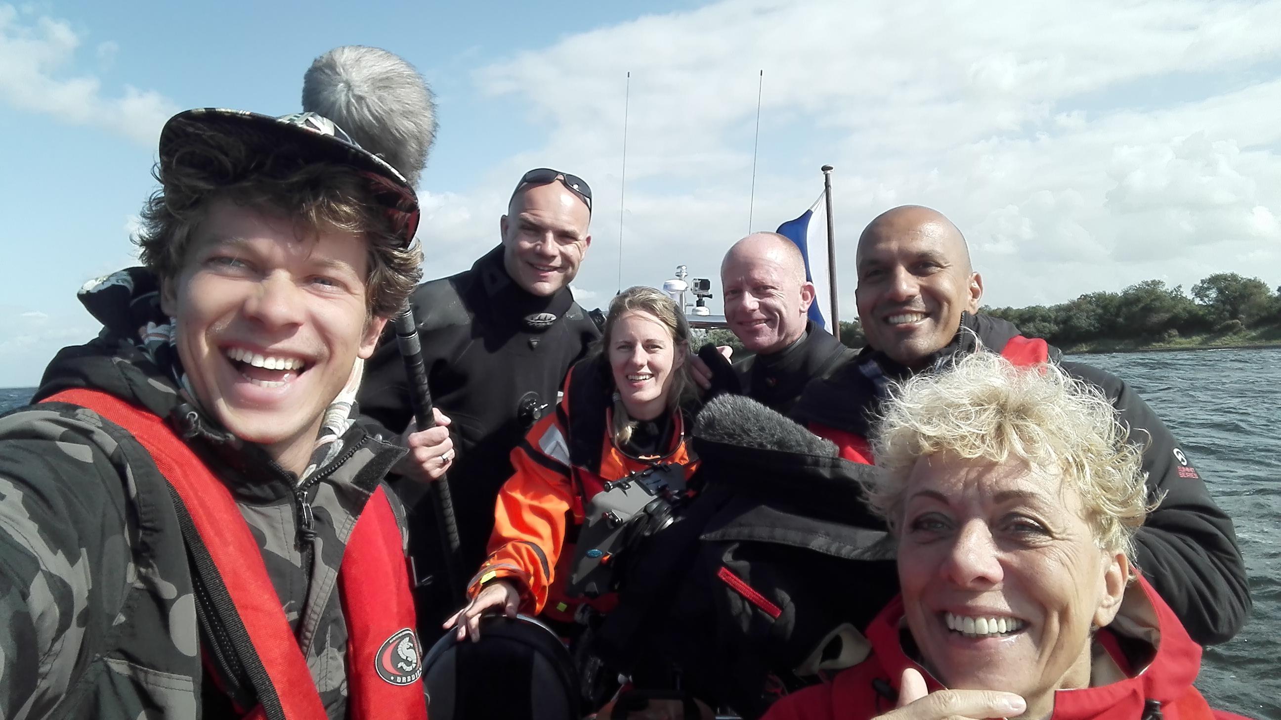 Het Klokhuis opnames Team - in de Noordzee