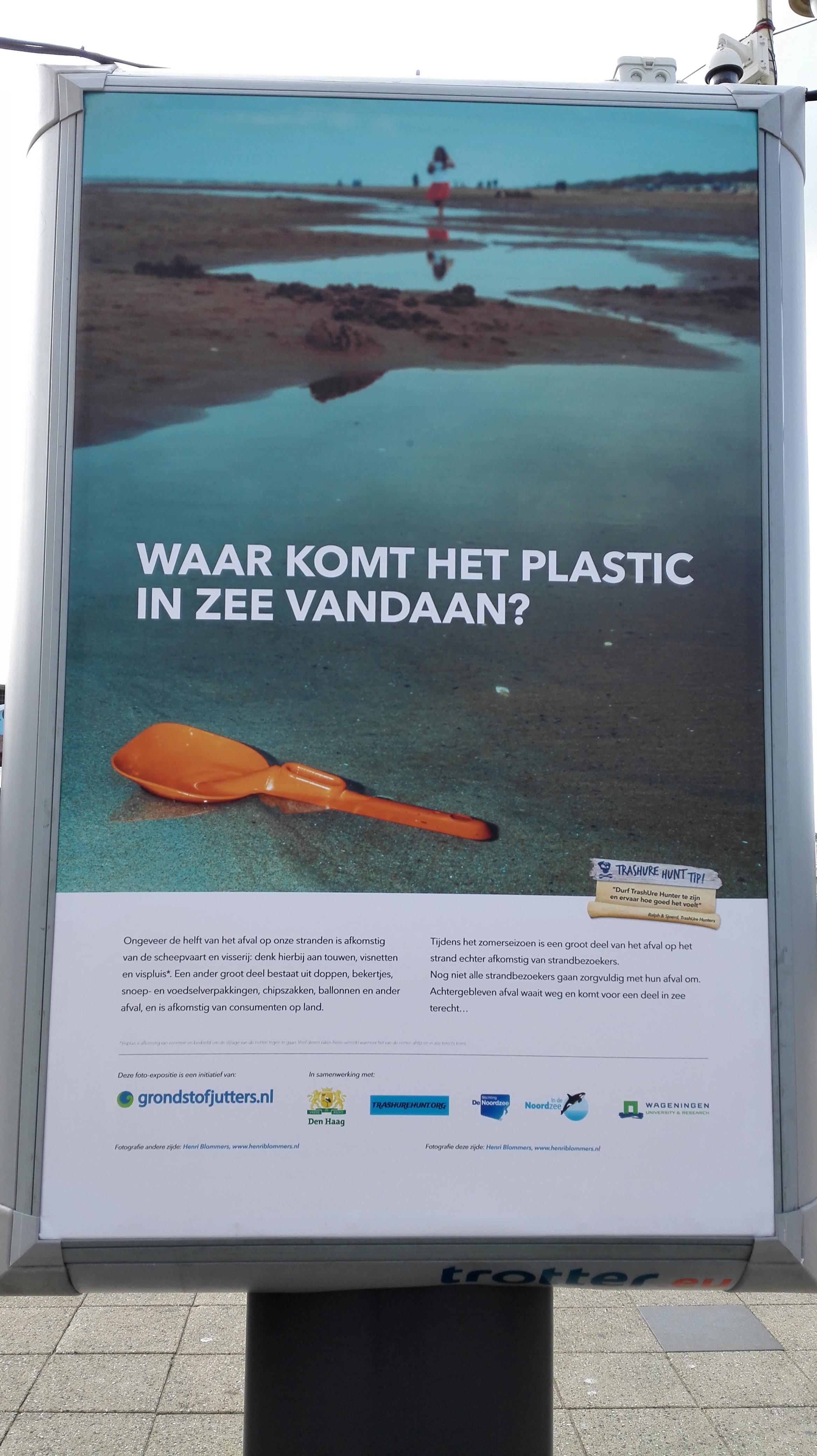 Plastic in zee foto expositie Scheveningen